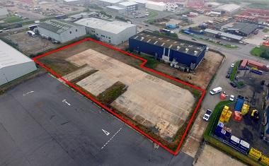 Shepherd offers secure concrete yard in Aberdeen to let