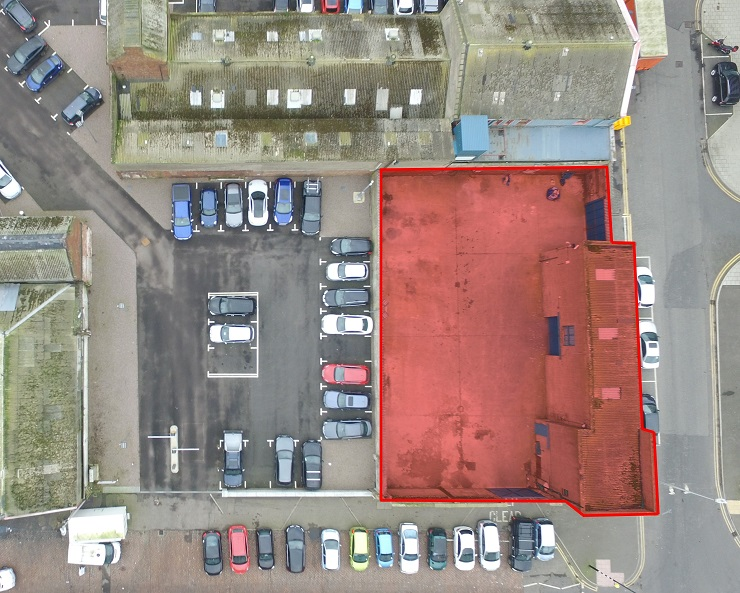 Industrial unit with yard on prominent corner location in Aberdeen for sale