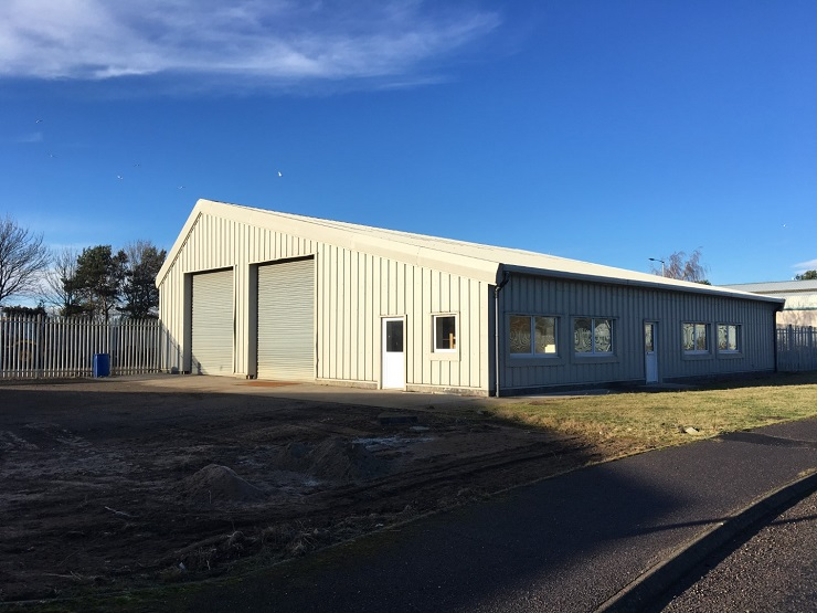 Workshop with secure yard in Nairn to let